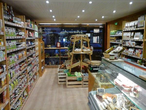 Une large sélection de produits régionaux, et de qualité artisanale!